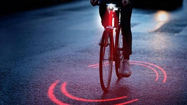 Le luci della bici che ti salvano la vita corriere tv