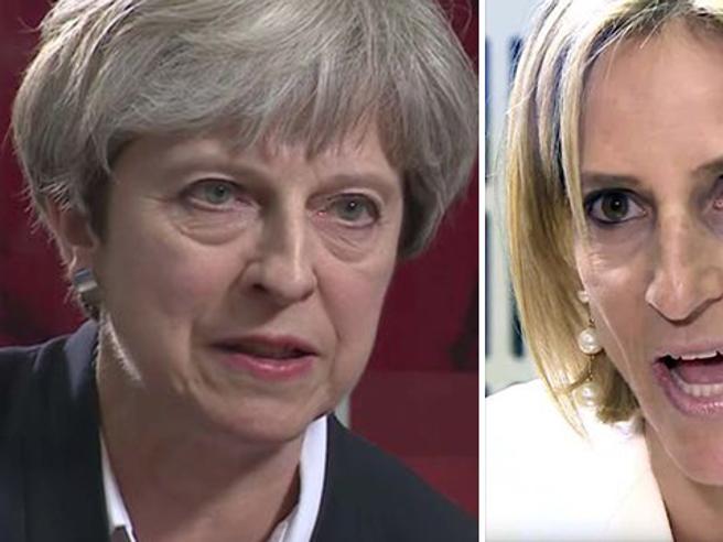 «Fredda, inumana e senza cuore», le accuse a Theresa May dopo l'intervista alla Bbc