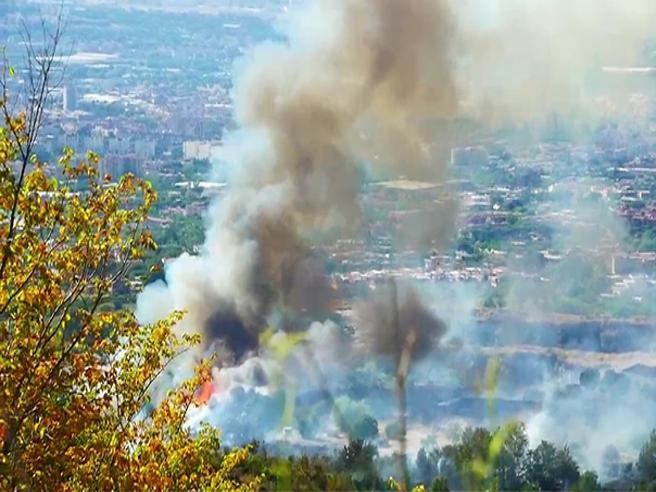 Il Vesuvio brucia senza tregua da una settimana«Dietro tutto questo c'è un disegno criminale»