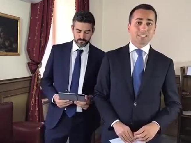 Vitalizi, gaffe di Di Maio: «Boneschi ora prende 3 mila euro». Ma è morto