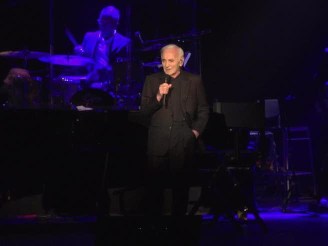 Aznavour, 93 anni fa impazzire il pubblico di Roma