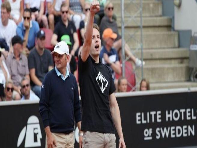 Tennis, invasione di campo e saluto nazista durante la semifinale tra Ferrer e Verdasco