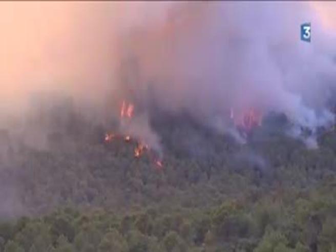 Incendio Costa Azzurra: vicino a Nizza evacuati in  12mila