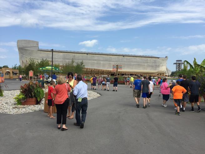 L'Arca di Noè costruita in Kentucky per negare Darwin  Ken Ham: «I dinosauri? Si sono estinti nel Medioevo»