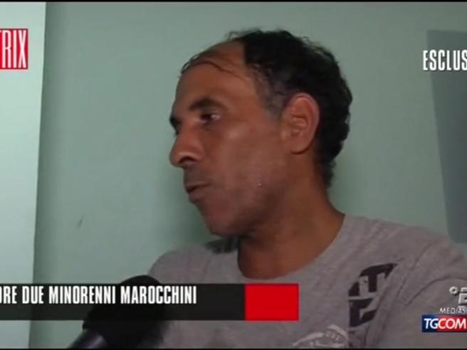 Rimini, il papà dei due marocchini: «Tra due anni usciranno» Video