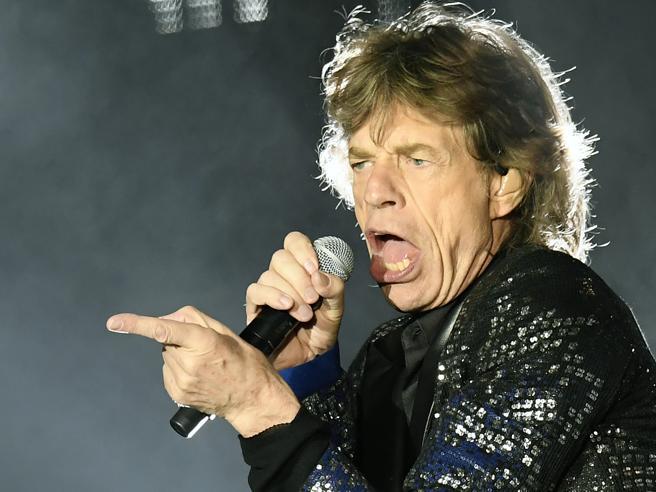 Rolling Stones: Jagger canta in italiano «Con le mie lacrime»