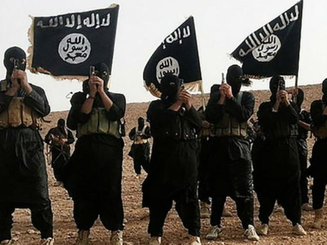 L'ex procuratore Macrì |  «Isis non colpisce l'Italia perché si serve delle nostre mafie