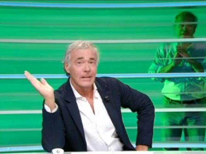 Giletti «ruba» il posto nel Tg a Mentana: «Massimo che fai lì?»