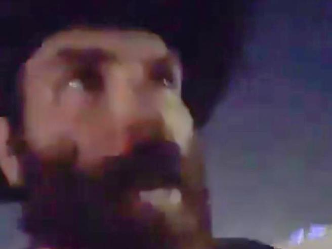 Anche il «re di Instagram» tra gli spettatori in fuga:  «Hanno sparato  a una ragazza» Video