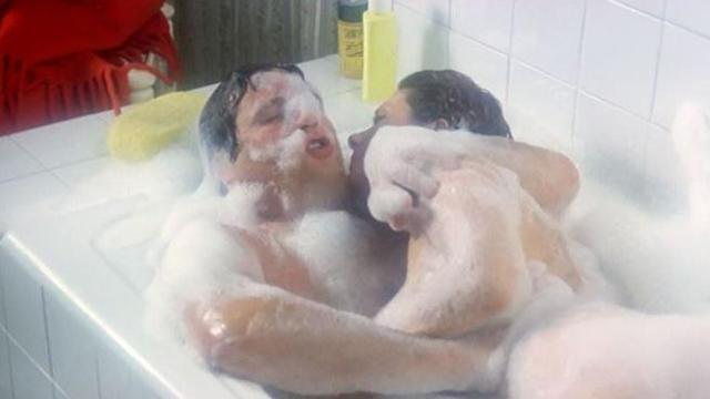 Amore In Vasca Da Bagno.Renato Pozzetto Io E La Fenech Nudi Nella Vasca Da Bagno