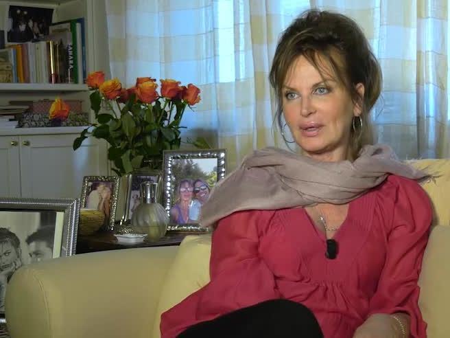 Dalila Di Lazzaro: «Io, attrice ingenua. Ecco come mi hanno fatto perdere 250 mila euro di risparmi»