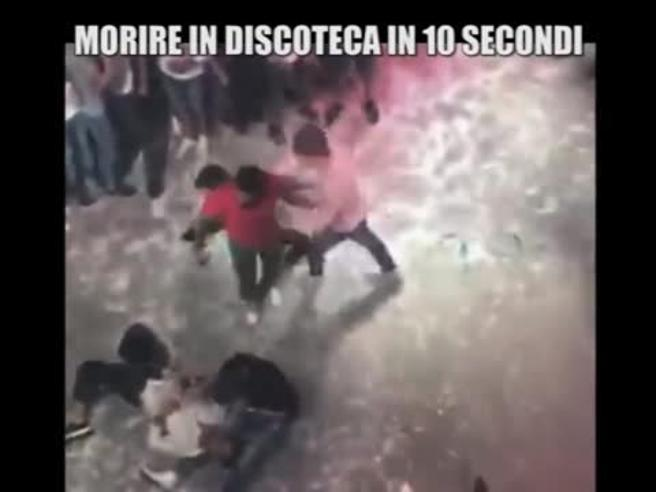 Niccolò, pestato a morte in discoin Spagna. Uno degli aggressori: «Non mi sento in colpa» Video