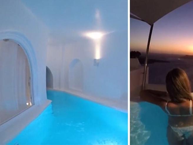 Santorini, la camera d'albergo è una piscina con vista sul tramonto
