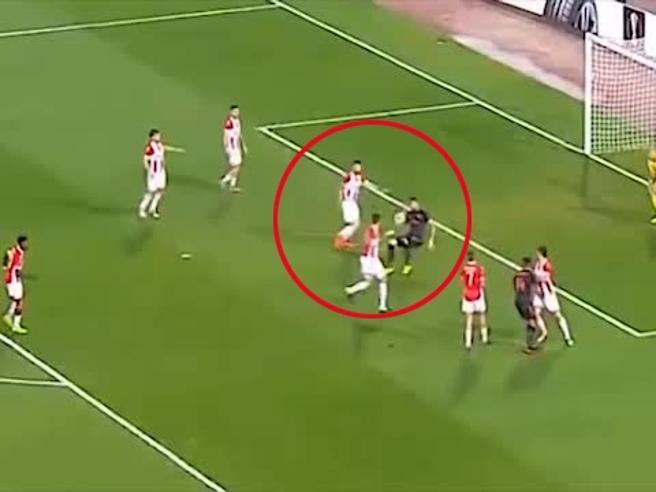 Arsenal, altro gol capolavoro di Giroud: la rovesciata è spettacolare