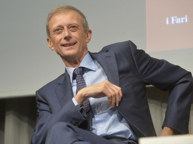 Piero Fassino ospite in diretta di #CorriereLive:  quale futuro per il Partito democratico?