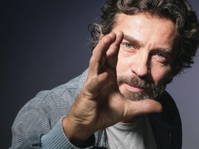 L'attore Alessio Boni in diretta a #Corrierelive parla del  film «La ragazza nella nebbia»
