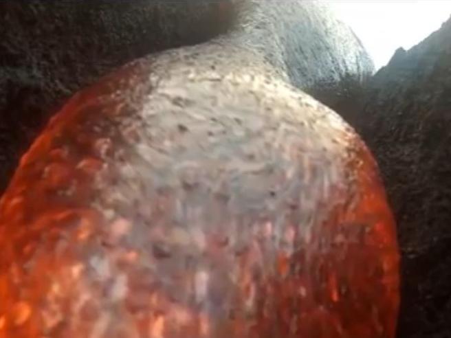 Hawaii,  la telecamera nel vulcano:  travolta dalla lava ma continua a riprendere