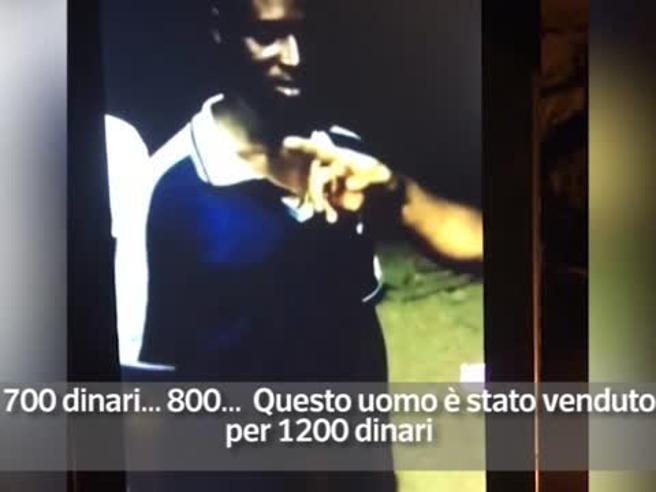 Libia, il dramma dei migranti venduti all'asta come schiavi