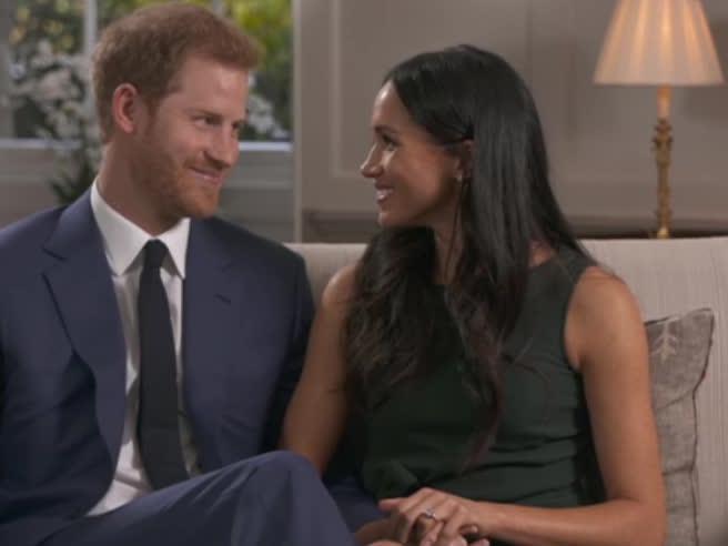 Harry e Meghan scherzano durante le riprese dell'intervista