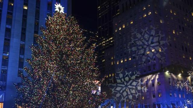 Albero Di Natale New York.A New York Si Accende La Magia L Albero Di Natale Al Rockefeller