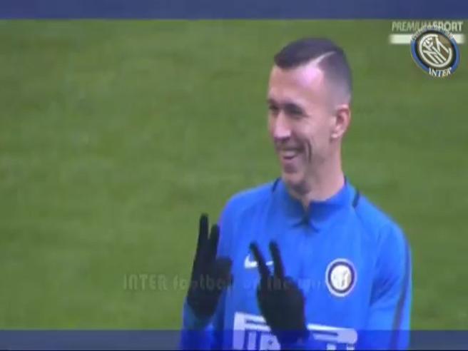 Perisic prende in giro il Milan e fa il segno del 2-2