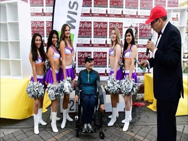 2404 gradini in discesa in sedia a rotelle: Haki entra nel Guinness