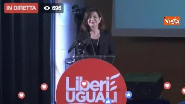 Discorso Camera Boldrini : Liberi e uguali abbraccio tra grasso e boldrini al termine del