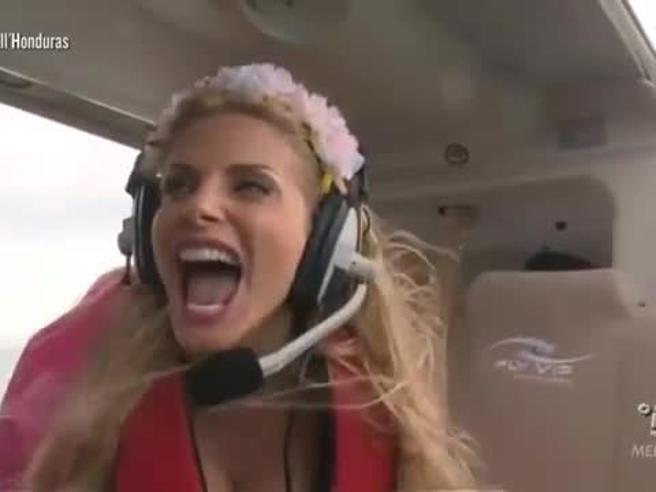 Isola dei famosi, Francesca Cipriani ha un attacco di panico sull'elicottero