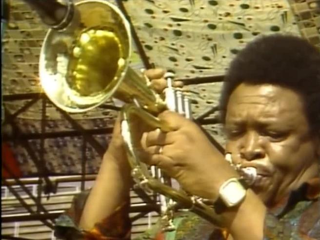 È morto Hugh Masekela, grande trombettista antiapartheid