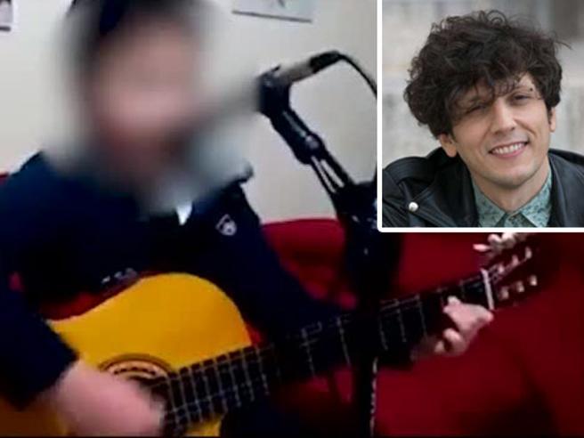 «Canta con noi», Ermal Meta invita il bambino fenomeno conosciuto su Facebook
