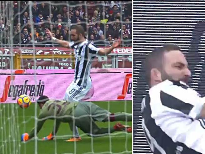 Torino-Juve: Higuain si infortuna alla caviglia dopo 15' e abbandona il campo