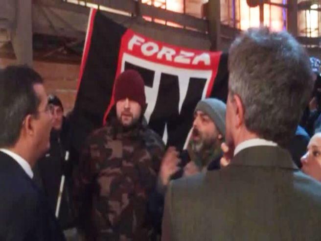 Roma, blitz di Forza Nuova negli studi televisivi di La7