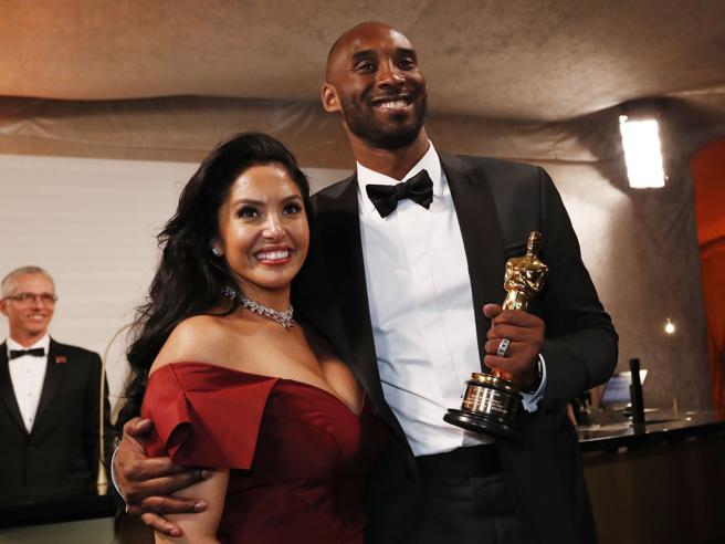 Kobe Bryant vince l'Oscar e ringrazia la moglie e le figlie in italiano: «Gianna, ti amo con tutto il cuore»
