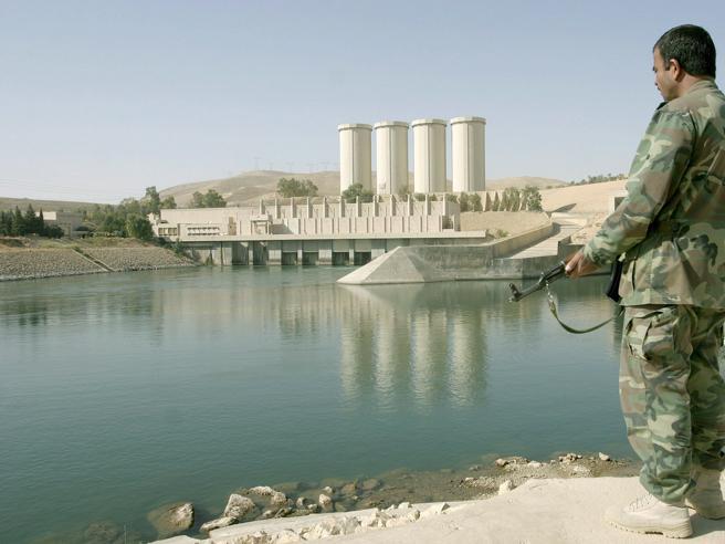 Nel tunnel della diga di Mosul «L'abbiamo difesa dall'Isis»  Video