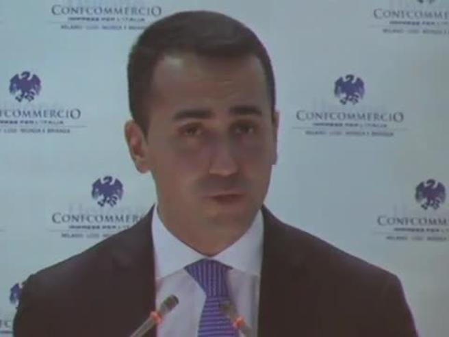 Reddito cittadinanza, Di Maio: «Non daremo soldi a persone per starsene sul divano» VideoEcco come funziona -  Scheda