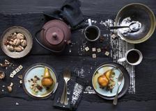 Pere al Moscato caramellate con noci, anice stellato e uvetta