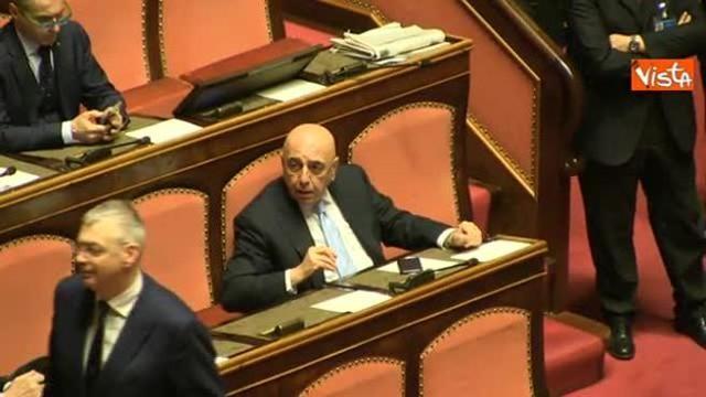 Milan swiftly assembling  a recognizable team  - Page 9 Idotm_galliani_al_primo_giorno_al_senato_chiede_consigli_in_aula_al_piu_esperto_romani_640_ori_crop_master__0x0_640x360