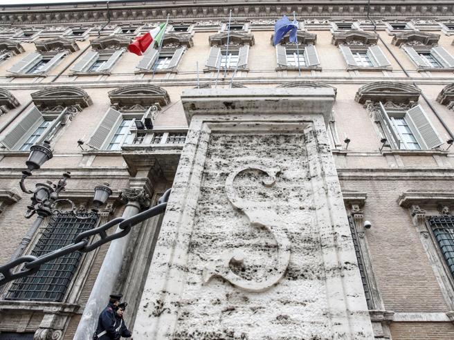 Il voto al Senato, Casellatidi Forza Italia verso la presidenza   Diretta