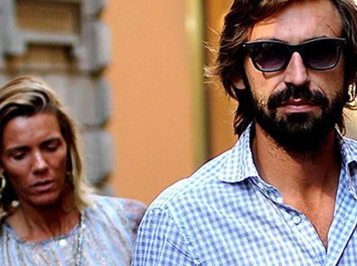 Pirlo si separa dalla moglie: a lei andranno 55mila euro al mese