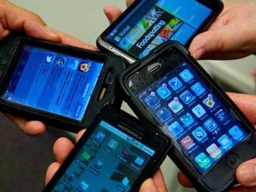 Tassa sul telefonino: pubblicato il Decreto, in vigore tra 10 giorni