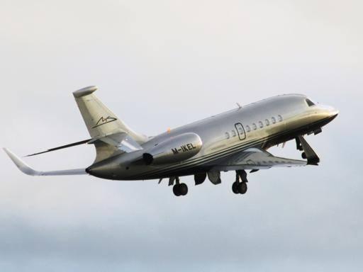 Aereo Privato Affitto : Corinna vende l aereo di schumi per milioni euro