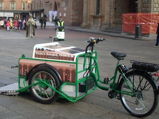 A Bologna la bici-spazzino a energia solare