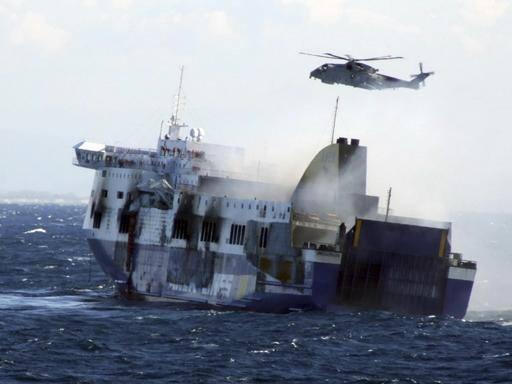 Norman Atlantic sotto sequestro Indagati il comandante e l'armatore