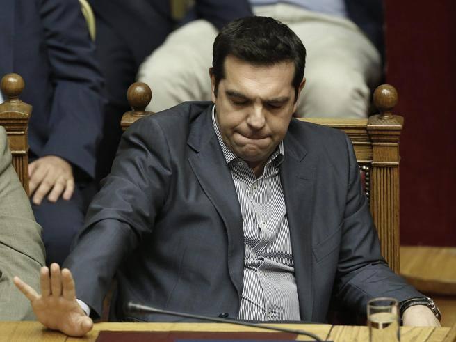 Grecia, sì del Parlamento al nuovo piano Tsipras. Il premier: «Megliodel precedente, non svendo il Paese