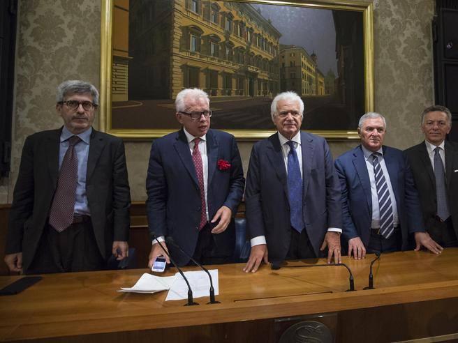 Il nuovo gruppo di verdini i 10 senatori di ala for Lista senatori