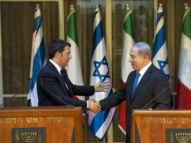 Netanyahu: «Italiani, voi sbagliate. Pagate troppe tasse». E lo spiega con un grafico sul retro del menù