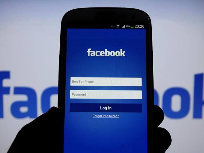Pensate di usare bene Facebook? Ecco 13 trucchi che (forse) non conoscete