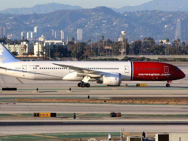 aerei norwegian air inaugura i voli low cost milano los