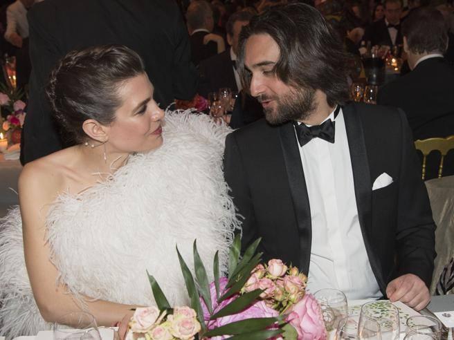 Charlotte Casiraghi, le nozze con Dimitri nel 2019. Prove di famiglia a  Pantelleria , Corriere.it