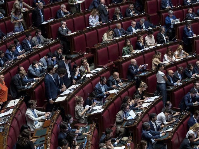 Vitalizi la legge approvata alla camera ora deve passare for Vitalizi alla camera
